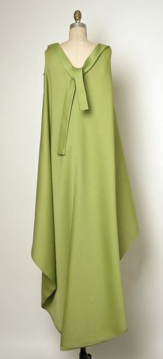 Evening dress House of Balenciaga (French, founded 1937) Designer: Cristobal Balenciaga (Spanish, 1895–1972) Date: 1967 Culture: French Medium: silk (?)
