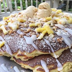 The Pancakes At This Hawaii Restaurant Are So Gigantic They Fall Off The Plate Hawaii Vacation Tips, Coconut Pancakes, Maui Travel, Honolulu Hawaii, A Food, Yummy Food, Peanut Butter, Banana, Eat