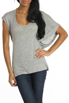 549c37b423d Gray Draped Top. I love anything with loose sleeves. Girly Outfits