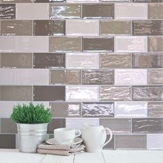 Ideal wall tiles for any residential kitchen or commercial restaurant. These ceramic wall tiles are available in a range of colours and free samples can be ordered online. Retro Vintage, Vintage Tile, Kitchen Splashback Tiles, Backsplash, Diy Home Decor For Apartments, Beige Kitchen, Victorian Tiles, Web Design, House Design