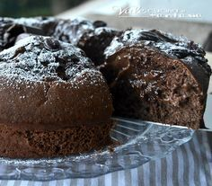 Torta pocket coffee (vale cucina e fantasia) Italian Desserts, Sweet Desserts, Sweet Recipes, Cooking Cake, Cooking Recipes, Bakery Recipes, Dessert Recipes, Pocket Coffee, Chocolate Delight