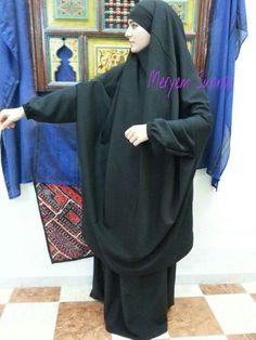 Black Jilbab asc ween can I find Hijab Niqab, Hijab Chic, Modest Fashion Hijab, Modest Outfits, Muslim Girls, Muslim Women, Cute Family Photos, Hijab Collection, Moslem Fashion