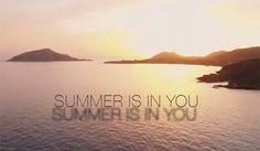 Μπορεί να είναι Σεπτέμβριος, όμως το καλοκαίρι είναι μέσα μας! Υπέροχο βίντεο