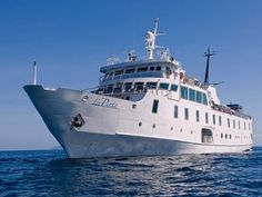 La Pinta was destined to be the unraivaled queen of the Galapagos fleet. This deluxe cruise offers great character, style and comfort with a family friendl. Cruise Boat, Best Cruise, Cruise Vacation, Cruise Travel, Cruise Ships, Vacations, Small Ship Cruises, Expedition Yachts, Glass Bottom Boat
