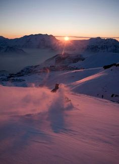 Sunset at Alpe d'Huez Alpe D Huez, Snow Activities, Ski Season, Nice Photos, Get Outside, Winter Holidays, Beautiful Landscapes, Wonders Of The World, Places To See