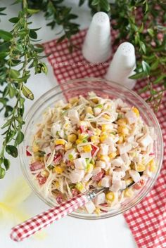 Zdjęcie: Sałatka z selera konserwowego i szynki Mayo Pasta Salad Recipes, Polish Recipes, Polish Food, Food For A Crowd, Coleslaw, Food Design, Cherry Tomatoes, Cobb Salad, Vegan Recipes