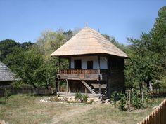 Case româneşti tradiţionale - Căutare Google European House, Good House, 16th Century, Traditional House, Architecture, Romania, Live Life, Countryside, Building A House