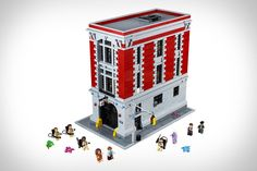 Lego Ghostbusters Firehouse - This game is exceptionally marvelous to play since the game allows you to dive into the Lego stories. Similarly, there's also something eye-catching with this Lego Ghostbusters Firehouse Headquarters game. Lego Batman, Lego Marvel, Lego City, Ghostbusters Firehouse, Ghostbusters Movie, Original Ghostbusters, Moc Lego, Lego Minecraft, Lego Store
