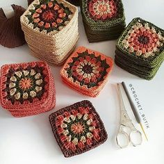 Transcendent Crochet a Solid Granny Square Ideas. Inconceivable Crochet a Solid Granny Square Ideas. Crochet Blocks, Granny Square Crochet Pattern, Crochet Squares, Crochet Granny, Crochet Motif, Crochet Stitches, Knit Crochet, Crochet Patterns, Crochet Baby