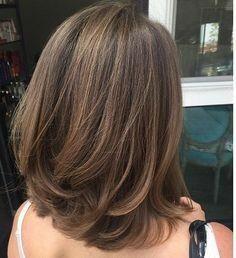 Best Haircut Shoulder Length Layers Ideas - Haircut Types Be Medium Hair Styles, Curly Hair Styles, Korean Medium Hair, Hair Medium, Short Bob Hairstyles, Hairstyle Short, Hairstyle Ideas, Layered Hairstyle, Spring Hairstyles