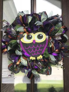 Halloween owl wreath, Halloween owl deco mesh wreath, Halloween owl wreath for front door, Halloween Halloween Door Wreaths, Halloween Owl, Wreaths For Front Door, Holiday Wreaths, Halloween Crafts, Halloween Decorations, Owl Wreaths, Deco Mesh Wreaths, Wreath Forms