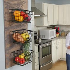 DIY Kitchen Project: Off-the-Counter Produce Storage - - This wall-mounted produce storage project also serves as a reminder to your family to eat fresh, healthy meals and snacks. Small Space Kitchen, Kitchen Room Design, Modern Kitchen Design, Home Decor Kitchen, Kitchen Furniture, Kitchen Interior, Home Kitchens, Small Kitchen Decorating Ideas, Furniture Nyc