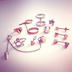 Bling bling! See anything you like? #Rings #Earrings #Accessories #Forever21