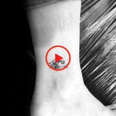 Discover daring ink inspiration that goes against conventional wisdom with the top 73 best ankle tattoos for men. Small Tattoos For Guys, Tattoos For Women, Ankle Tattoo Men, Beste Tattoo, One Piece, Wave Design, Tattoo Models, Ocean Waves, Cool Tattoos