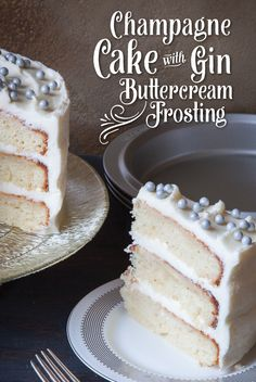 """A gourmet """"CHEERS"""" to the New Year with Champagne Cake with Gin Buttercream Frosting – all for the moment of sweet beginnings! Baking Recipes, Cake Recipes, Dessert Recipes, Fun Desserts, Delicious Desserts, Fondant, Champagne Cake, Wedding Cake Flavors, Cool Wedding Cakes"""
