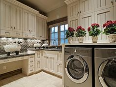 Love this Laundry Room by Cameo Homes