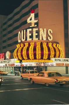 Four Queens, 1968. Two years earlier Four Queens had opened, joining Golden Nugget, Fremont Hotel and Horseshoe at the corner of Fremont & 2nd. ✿❀