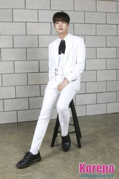 (it's B.A.P!) Bap Youngjae, Himchan, Latest Pics, Boy Groups, Normcore, Kpop Boy, Boys, Fashion, Baby Boys