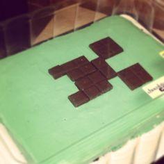 Creeper Cake found at: http://media-cache-ec0.pinimg.com/originals/83/e4/33/83e4337d16ef32b5be8aaae5adad7d90.jpg