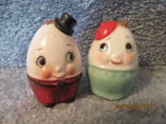 Vintage 1950 Humpty Dumpty Eggs Salt & Pepper Shakers Cute Anthropomorphic Japan