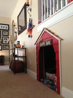 Bella & Tank's Dog House!!!!
