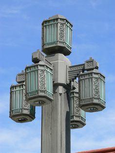 Lamp post, Église St-Esprit, Rosemont, Montreal