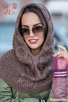 Crochet scarf cowl hood yarns new ideas Sweater Hat, Scarf Hat, Crochet Scarves, Knit Crochet, Crochet Hats, Hooded Scarf, Knit Cowl, Mode Hijab, Crochet Slippers