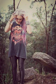 rocker/grunge style. vintage slayer t-shirt, black leggings, lace up boots & stacked bracelets.
