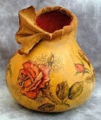the suede wrap finishes off this rose painted gourd perfectly giving it a more dimensional texture :) Decorative Gourds, Hand Painted Gourds, Gourds Birdhouse, Vases, Gourd Art, Wood Carving, Amazing Art, Awesome, Decoupage
