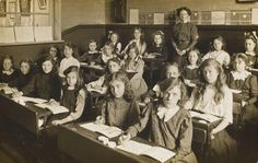 BBC Primary History - Children of Victorian Britain - Victorian schools - Teachers' resources Women In History, British History, Family History, Old School House, School Life, Girls School, School Children, School Teacher, Primary History