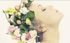 Blumenkranz binden - Rosenkönigin |ELLE