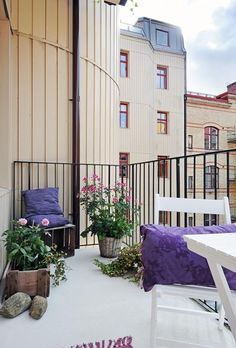 Warm Interior Design Ideas and Welcoming Balcony Decorating in Scandinavian style