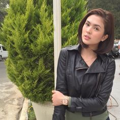 Sofia Andres Filipina Actress, Filipina Beauty, Inigo Pascual, Biker Chic, Hair Cuts, Abs, Beautiful Women, Leather Jacket, Celebs