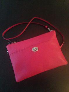 Pantone 032 Coach purse