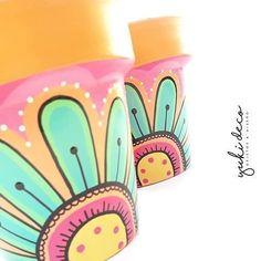Painted Clay Pots, Painted Flower Pots, Diy Arts And Crafts, Crafts For Teens, Pots D'argile, Mandala Painting, Boho Diy, Terracotta Pots, Flower Boxes