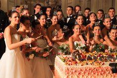 """Le hanno scelte tra centinaia di candidate. Diciotto ragazze hanno vissuto la magia del ballo delle debuttanti in una sede davvero aulica: la galleria di Diana della reggia di Venaria. Sono ragazze di tutta Italia, scelte tra le lettere inviate al comitato organizzatore di """"Vienna sul lago"""""""