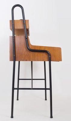hierro y teka. suecia años 50's Estilo Retro, Bar Stools, Chair, Furniture, Home Decor, 50s Decor, Vintage Furniture, Vintage Decor, Sweden