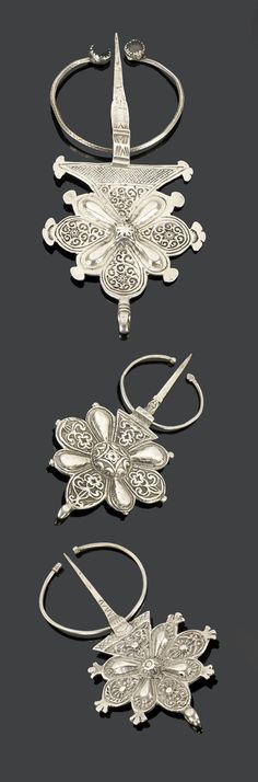 Morocco - Anti Atlas, Souss Valley | Three fibulae; silver and glass. | 310€ ~ sold (May '15)