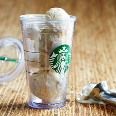 A sturdy, oz clear plastic Cold Cup with double wall construction, updated Siren logo and reusable straw. Starbucks Store, Starbucks Tumbler, Starbucks Coffee, Starbucks Birthday Party, Passion Tea Lemonade, Espresso Drinks, Smoothie Drinks, Smoothies, Tea Mugs