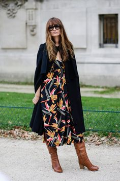 STYLISH COMBINATIONS: MIDI DRESS + HIGH BOOTS:Time for Fashion waysify
