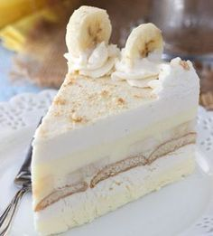 This Banana Pudding Icebox Cake is no bake, delicious and perfect for summer! It's a thicker, more fancy-looking version of banana pudding and it's the hubs' new favorite dessert. christmas make,no bake desserts Frozen Desserts, No Bake Desserts, Easy Desserts, Delicious Desserts, Strawberry Desserts, Holiday Desserts, Icebox Cake Recipes, Pie Recipes, Dessert Recipes