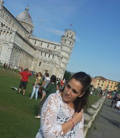 new outfit in Piazza dei Miracoli-Pisa http://angieclausblog.com/2014/08/27/piazza-dei-miracoli/