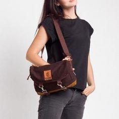 ESGOTADO CINTURO PRIMEIRO BROWN Bags, Fashion, Handbags, Moda, Fashion Styles, Fashion Illustrations, Bag, Totes, Hand Bags