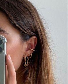 Piercing Face, Cute Ear Piercings, Piercing Tattoo, Tongue Piercings, Cartilage Piercings, Cartilage Earrings, Ear Jewelry, Cute Jewelry, Gold Jewelry