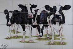 RH24R-4, Koeien die je aankijken op 6x4 Friese witjes geschilderd. Afmeting circa 78x52cm.