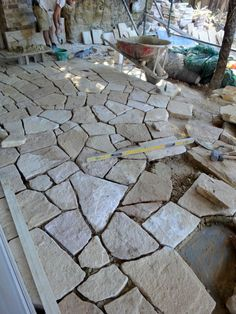 the girl in the brick house: Kookaburras, joinery, sandstone and baths - Terrasse Concrete Patios, Flagstone Patio, Backyard Walkway, Brick Walkway, Backyard Landscaping, Stone Patio Designs, Crazy Paving, Garden Tiles, Stone Path