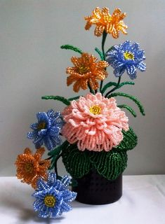 French Beaded Flowers, Wire Art, Planter Pots, Bouquet, Beads, Hexagon Crochet, Beading, Bouquet Of Flowers, Bouquets