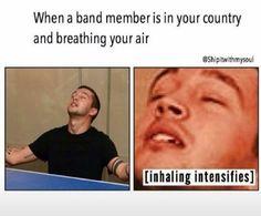 twenty one pilots funny Twenty One Pilots, Twenty One Pilot Memes, Tyler Y Josh, Tyler Joseph, Josh Dun, Emo Bands, Music Bands, Emo Band Memes, Rock Bands