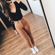 Outfits casuales de 'niña bien' para la escuela
