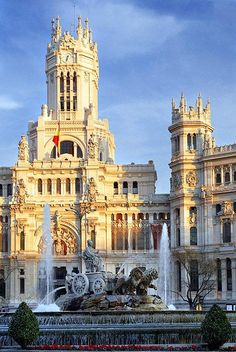 Plaza de Cibeles   Madrid, Spain - #amazing #awesome